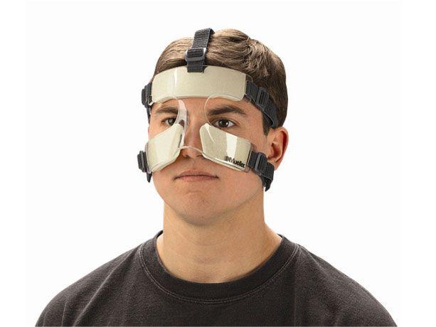 Daha bir futbolçu maska ilə çıxış edəcək -